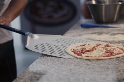 Perforert pizzaspade av høy kvalitet