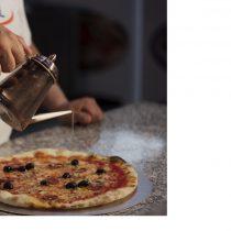 Pizza oljekanne til olivenolje